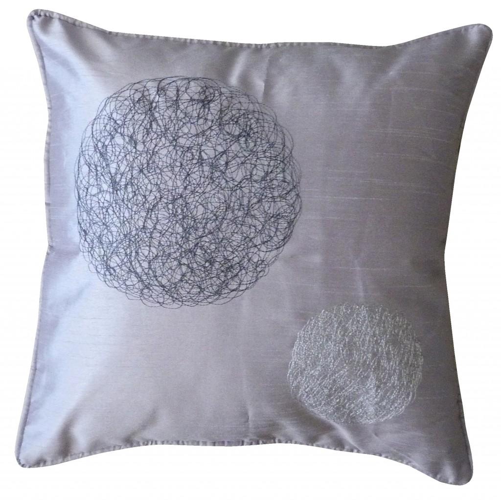 des coussins tendances pour la plus belle des canap s evasiondeco. Black Bedroom Furniture Sets. Home Design Ideas
